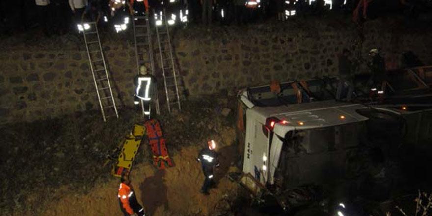 Afyon'daki otobüs kazasında acı tevafuk
