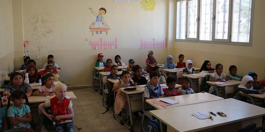 Diyanet Vakfı'nın desteklediği okulda ilk ders zili çaldı