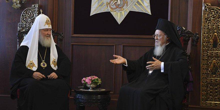 Ukrayna'nın talebi Rusya'daki ve Türkiye'deki Ortodoksları karşı karşıya getirdi