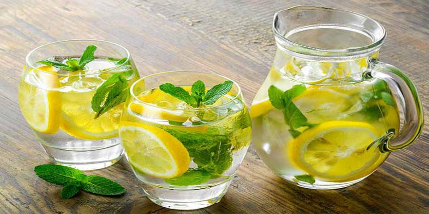Limonlu su içince vücut sistemi değişiyor
