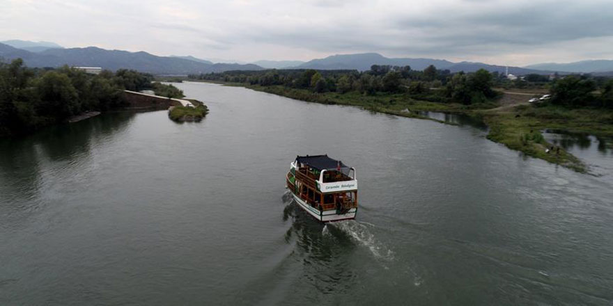 Yeşilırmak'ta 70 yıl sonra tekne gezileri başladı