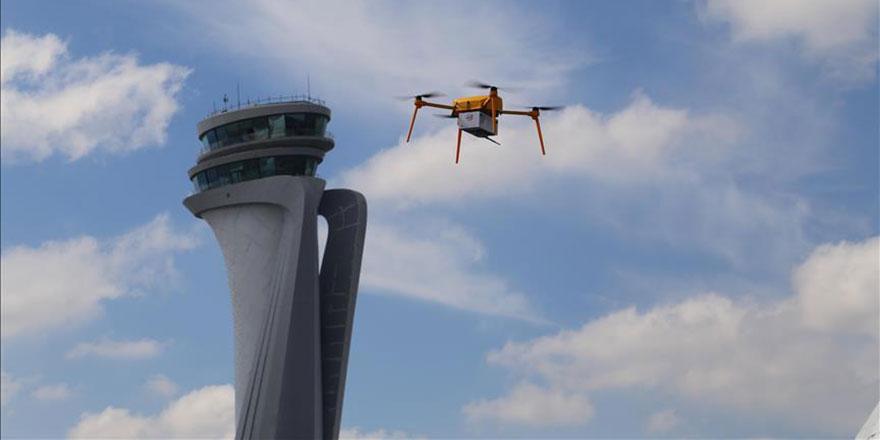 PTT, TEKNOFEST'te 'kargo drone' uçurdu