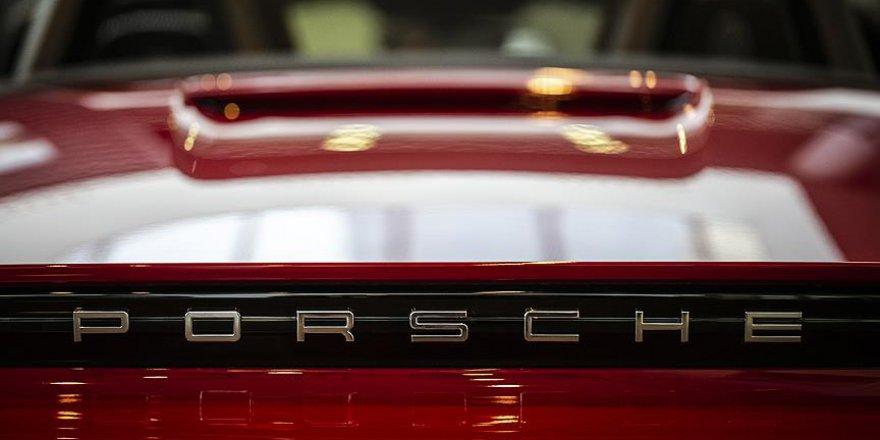 Dünyanın en pahalı otomobil firmalarından biri dizelden vazgeçiyor