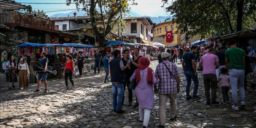 Bursalılar hafta sonu boyunca Cumalıkızık'a akın etti