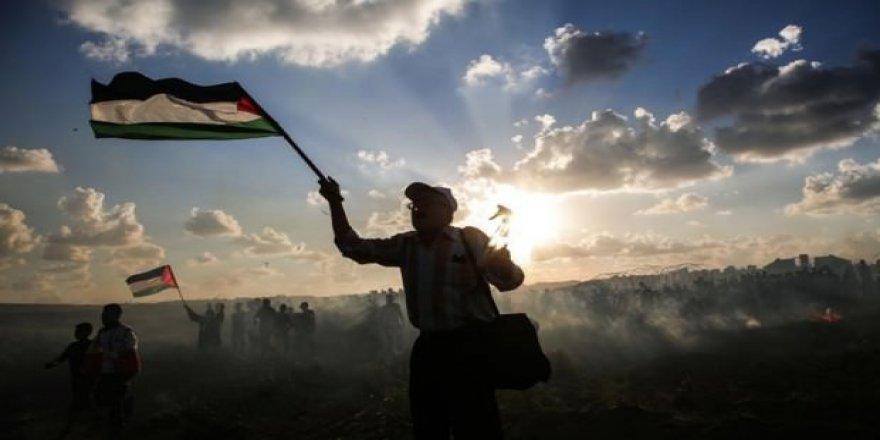 İsrail savaş uçakları Gazze'de bir apartman ve oteli hedef aldı