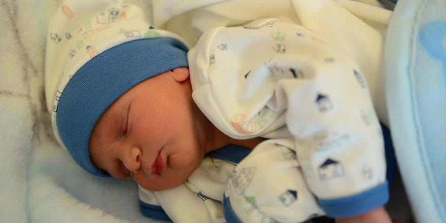 Bebeklerde erken sünnet faydalı