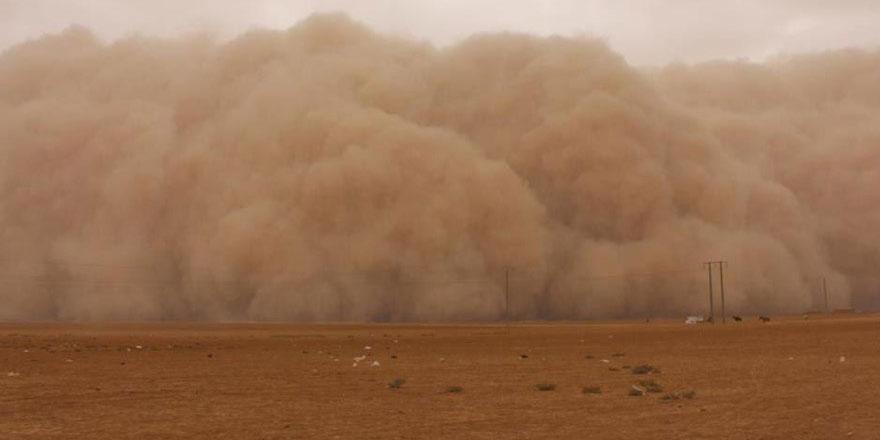 Antalya'ya Suriye'den toz bulutu geldi