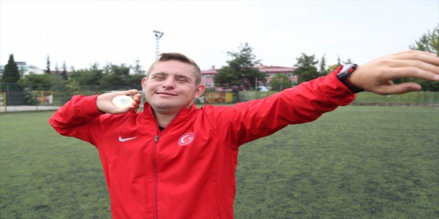 Sosyalleşmek için spora başlayan down sendromlu Ali şimdi madalya sahibi