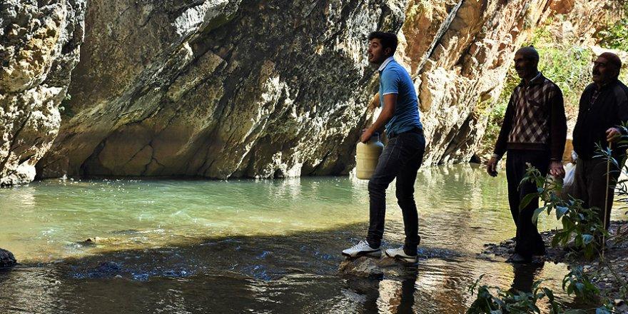 Süt ürünlerini mağarada muhafaza ediyorlar