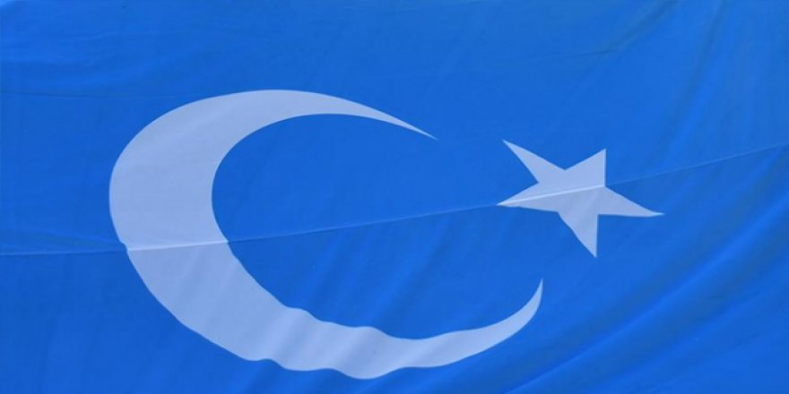Müslüman Türk çocukları ailelerinden koparılıyor