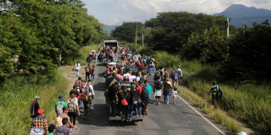 Honduras'ta başlatılan göç hareketi katlanarak büyüyor
