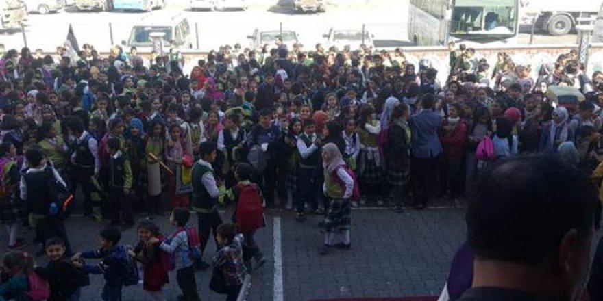 Ağrı'da deprem okulları tatil ettirdi