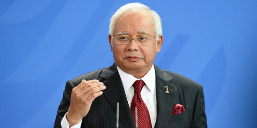Yolsuzlukla suçlanan eski Başbakan yeniden hakim karşısında