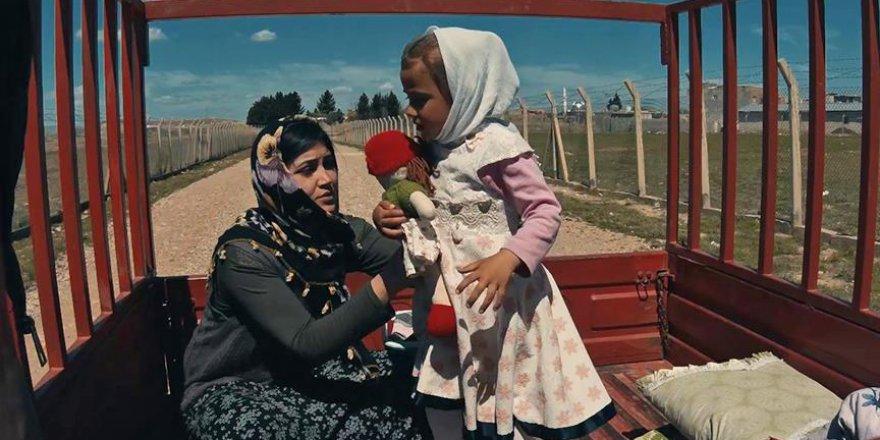 Suriye'de tanık olduğu acıları kısa filmlerde anlatıyorlar