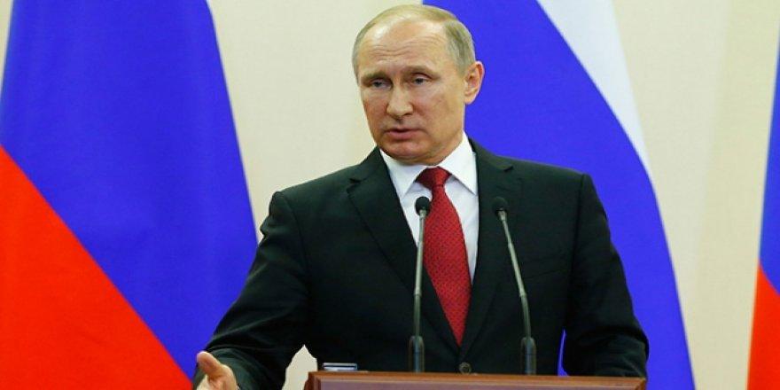 Putin: Teröristler ABD ve Avrupa vatandaşlarını esir aldı