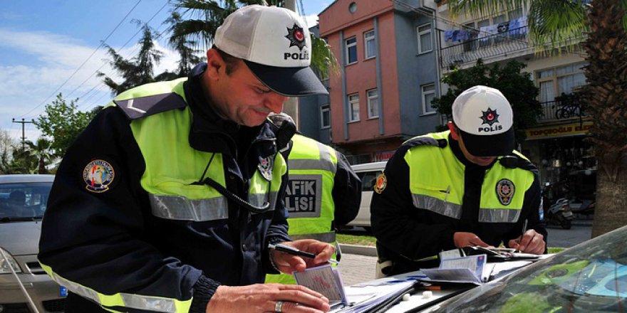 Sürücüler daha dikkatli olmalı: Trafik cezaları arttı