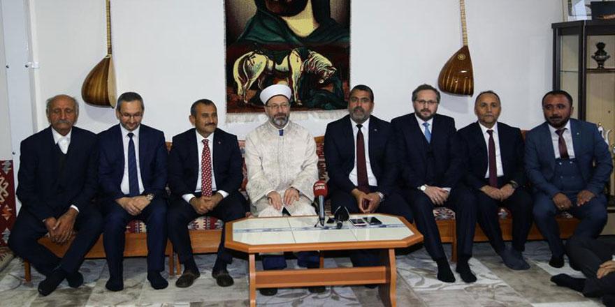 Diyanet İşleri Başkanı Ali Erbaş Cem evini ziyaret etti