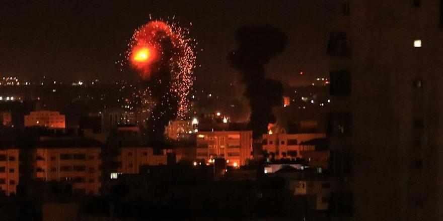 Namaza hazırlanan askerlere terör saldırısı: 70 ölü