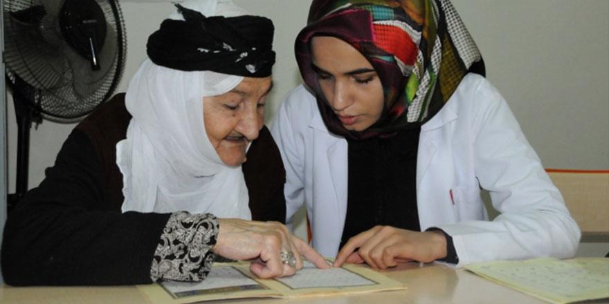 Torun sahibi ninelerin Kur'an-ı Kerim öğrenme azmi