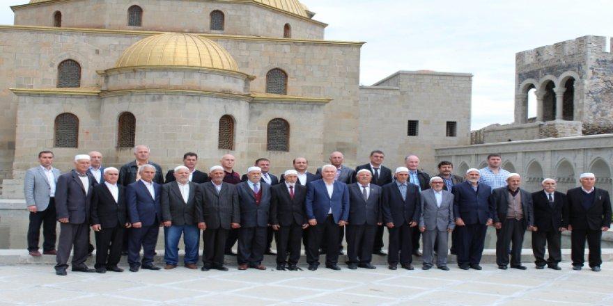TİKA ve YTB'den Ahıska Türklerine destek