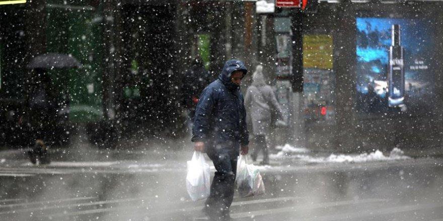 ABD kar fırtınasına teslim