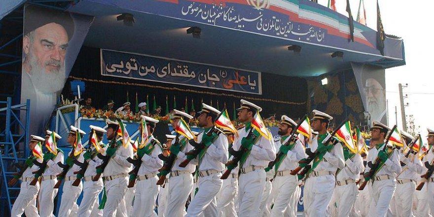 'Ehli Sünnet alimleri İran'da devrim treninden indirildiler'