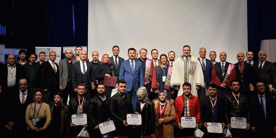 Mardinli Açıköğretim öğrencilerine başarı belgesi verildi