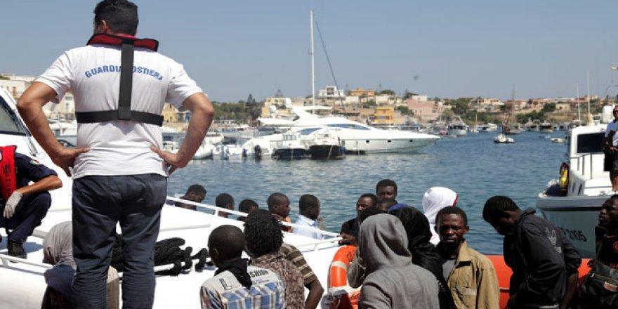 İtalya'da 9 göçmen kayıp