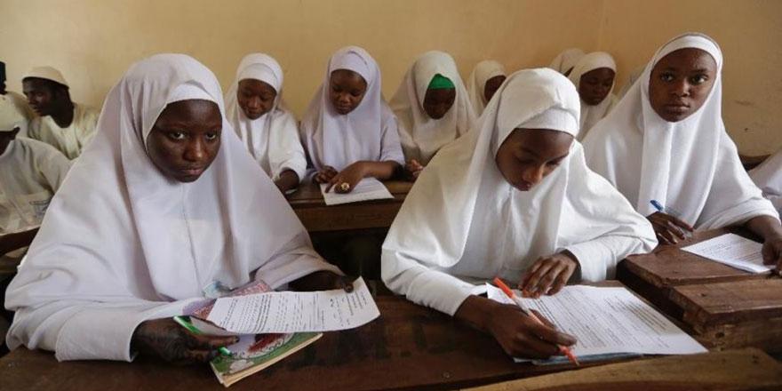 Nijerya'da başörtülü kızlara yapılanlar büyük tepki gördü