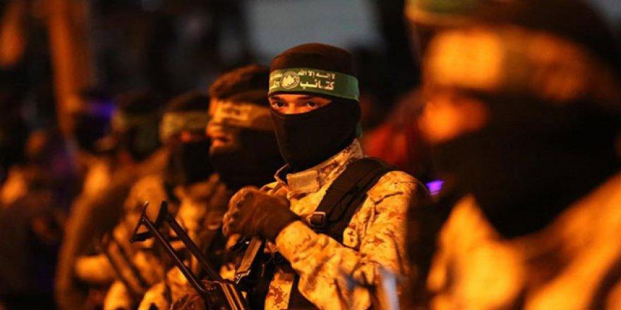 Kassam'da İsrailli komutanın öldürülme görüntüleri var