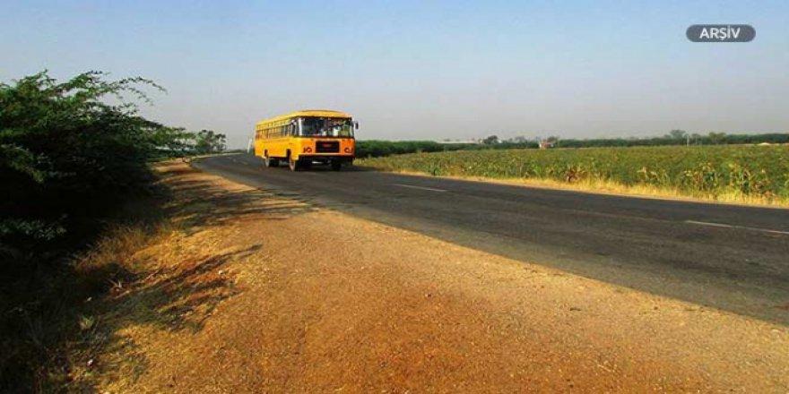 Hindistan'da otobüs faciası: 12 ölü