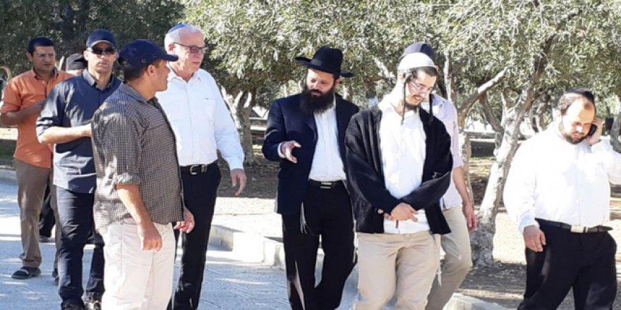 İşgalci İsrail Tarım Bakanından Mescid-i Aksa'ya baskın