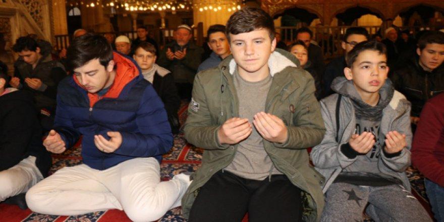Gençler sabah namazında Selimiye Camii'nde buluştu