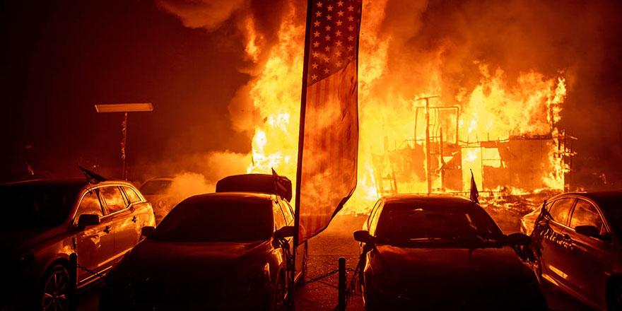 Amerika yangını söndüremiyor: Ölenlerin sayısı 79'a yükseldi