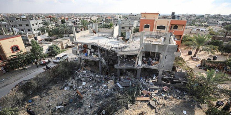 İşgalci İsrail saldırılarından geriye enkazlar kaldı