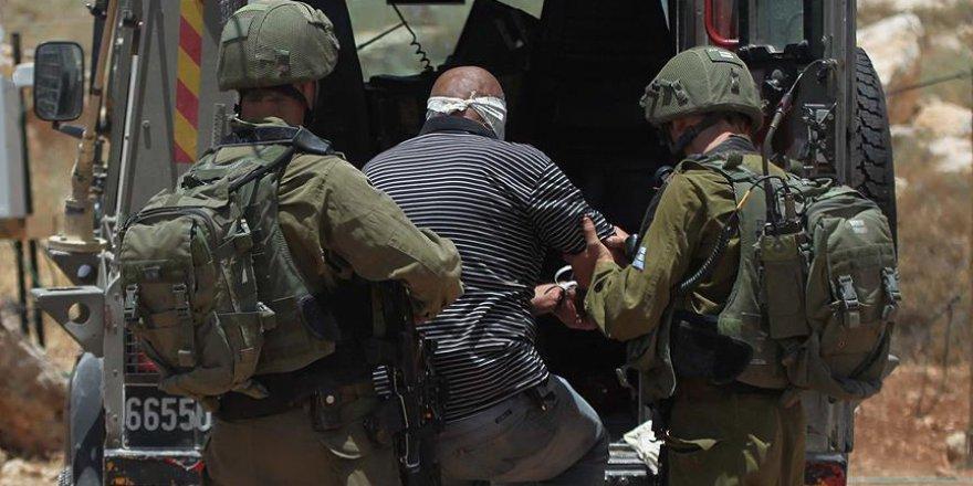 9 Filistinli İsrail tarafından alıkondu
