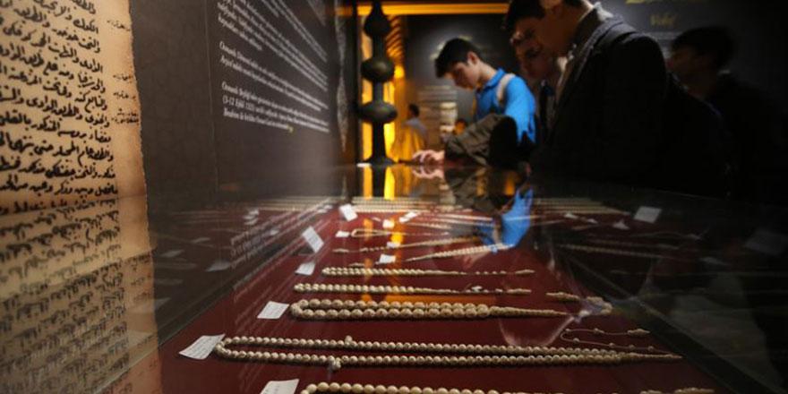 'Dua Taneleri' adlı tespih sergisi açıldı