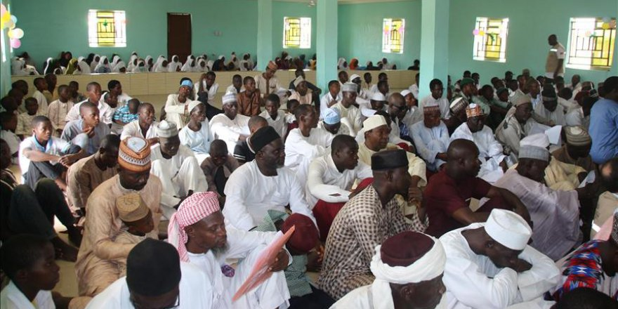 Nijeryalı öğrencilerin yeni camisi Türkiye'den