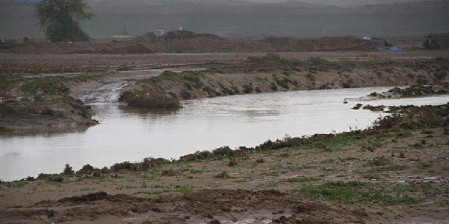 Irak'ta sağanak yağışlar kırmızı alarm getirdi