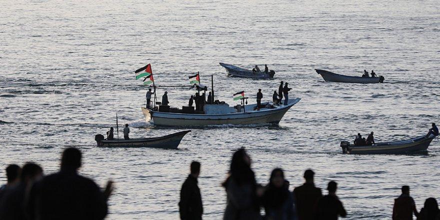 Gazze'de Bahreyn Çalıştayı'nı protesto için genel grev