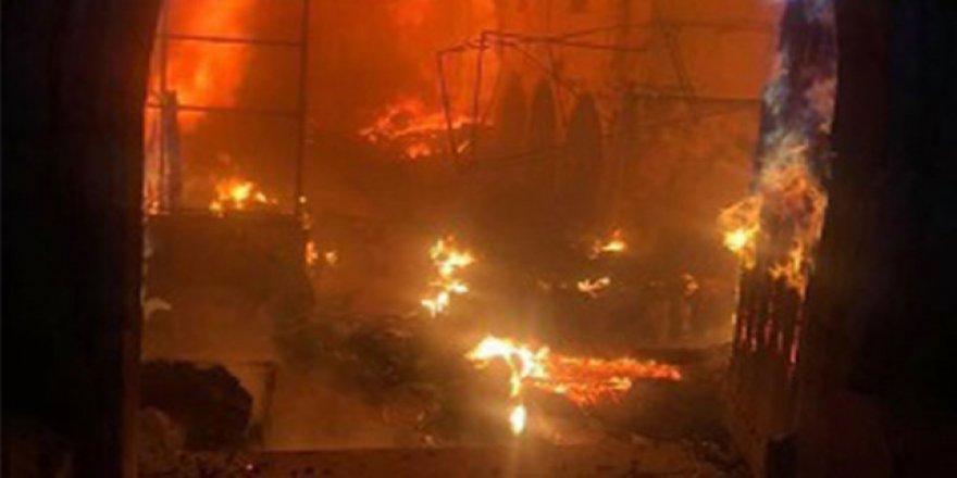 Osmanlı döneminden kalma çarşıda yangın