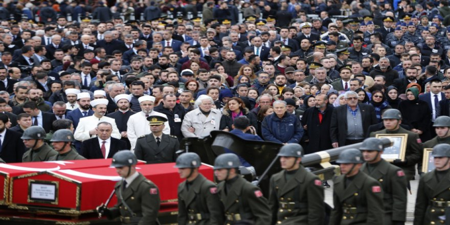 Düşen helikopterde şehit olan askerlerimizin cenazeleri uğurlandı