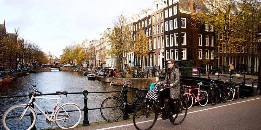 Hollandalılar bisikletten vazgeçemiyor