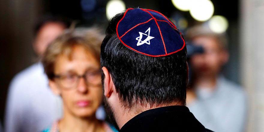 Avrupalılara göre dünyadaki fitnelerin sebebi Yahudiler