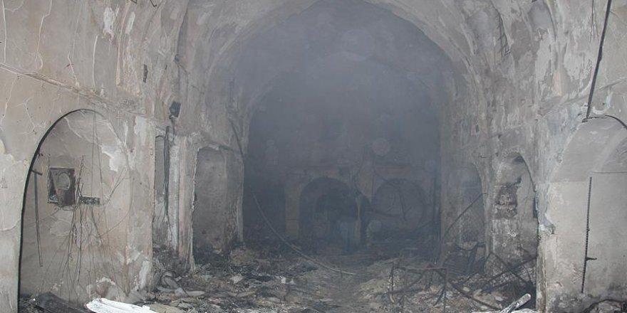 Üç gün önce yanan Osmanlı Yadigarı çarşı ilgi bekliyor