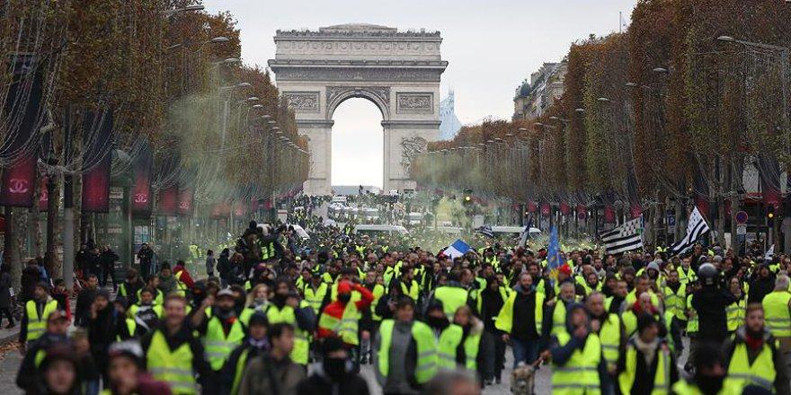Fransa'nın en turistik caddesi kapanacak