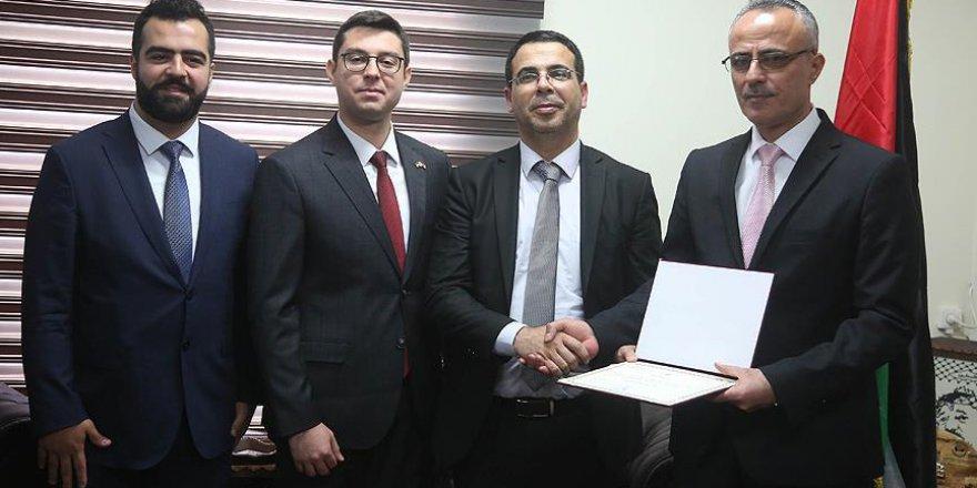 Filistin'in yeminli Türkçe tercümanları belgelerini aldı