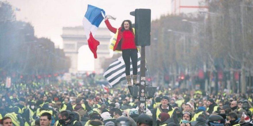 Avrupa kaynayan kazan: 3 ülkede prostolar var
