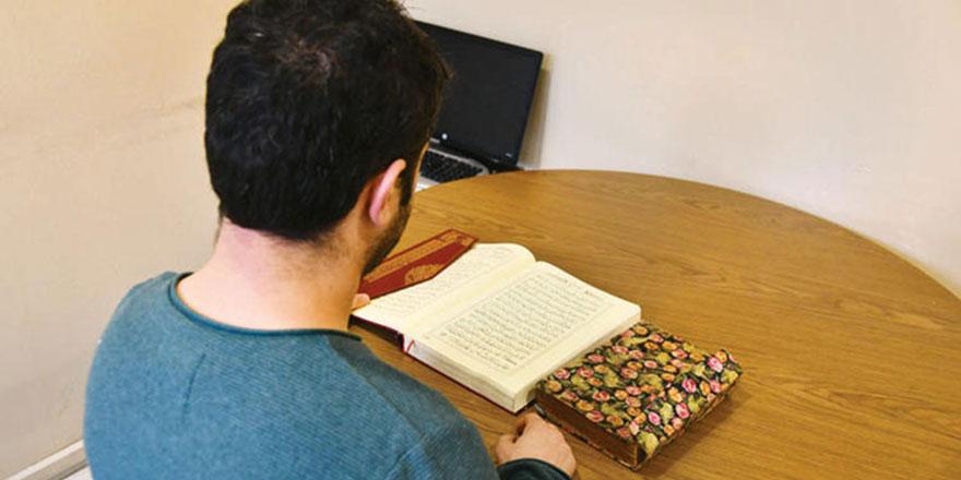 Hıristiyan olan İranlı Türkiye'de yargılandı: Kur'an'ı ve İncil'i karşılaştır, yaz, getir!