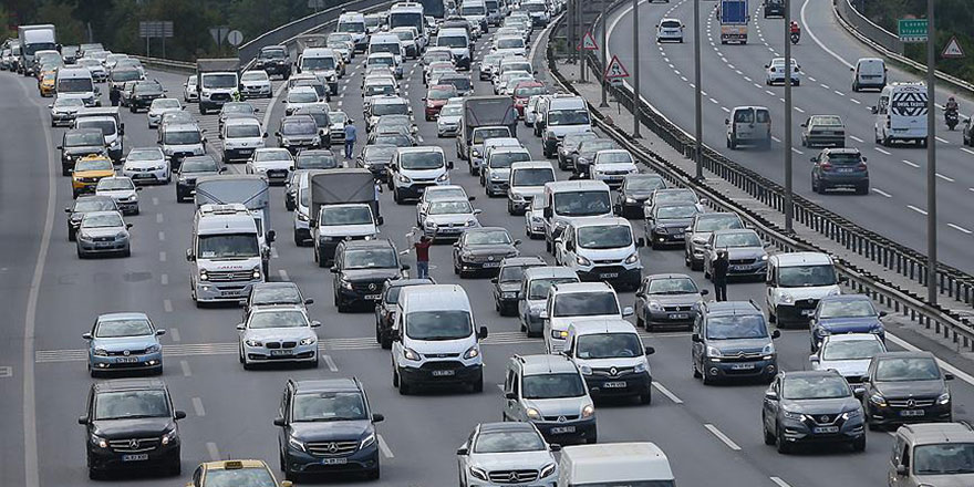 Trafik kazalarının çoğu düz yolda yapılıyor